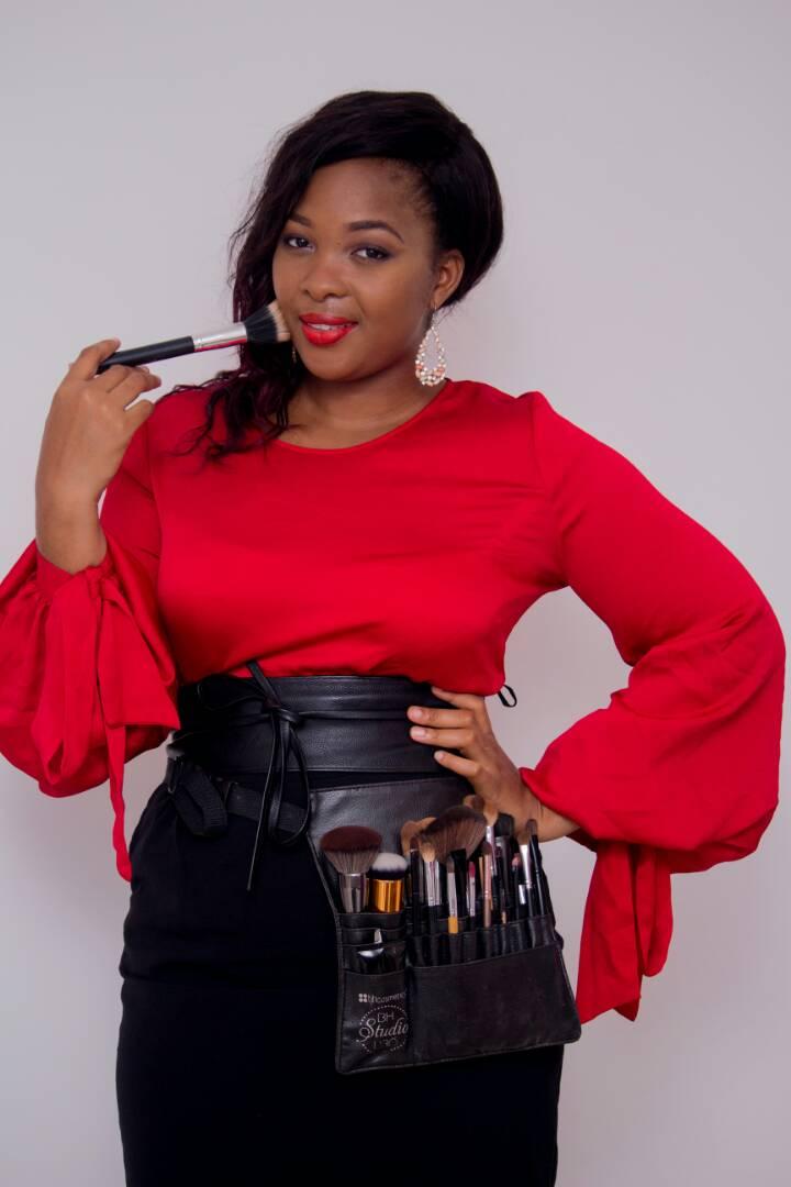 Rebecca Lassoupko - Fondatrice du salon de beauté Rebecca's House et de la marque de cosmétiques naturelles, Rivka Cosmetics.