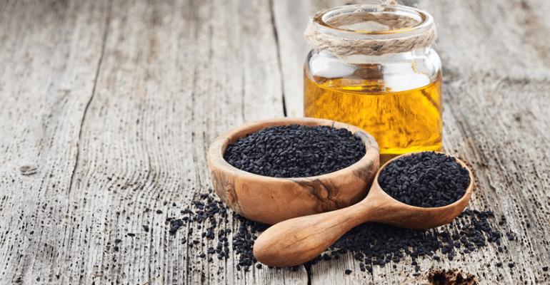 L'huile de nigelle ou habbatou sawda: le produit millénaire qui sauvera votre peau