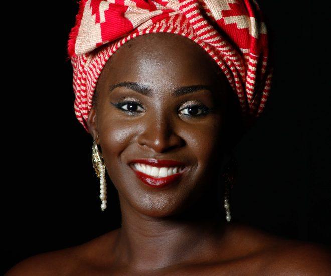 Comment retrouver une peau naturelle après la dépigmentation ? Entretien avec Sandrine Assouan